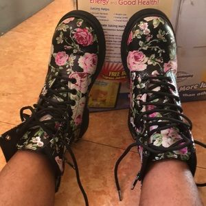 Shoes - Boots pretty flowered NO OFFERS used not perfect